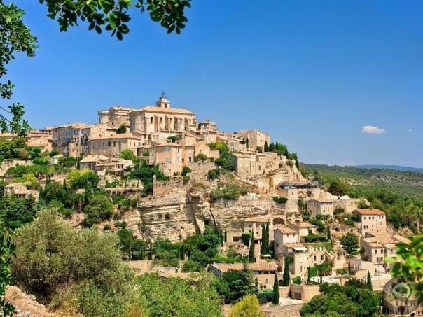 10 городов Франции, которые нужно посетить этим летом 1. Этрета Уж поверьте, если вам посчастливится полететь во Францию для небольшого путешествия, ваше внимание наверняка привлечет