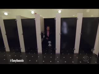 09.06.2019 james in the bathroom (michael in the bathroom parody) at the 73rd tony awards (hd)