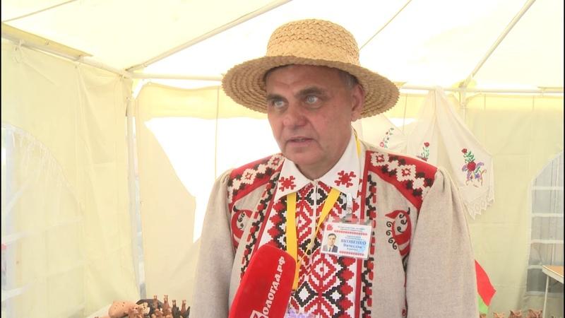 За уток и лошадей «говорят» свистульки мастеров из Белоруссии на ярмарке «Города ремесел»