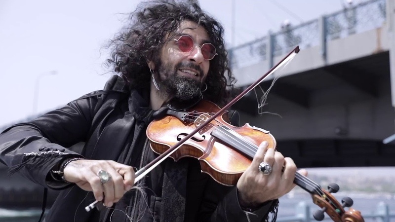 A planet in a violin case. Episode 8: Tavli (Backgammon) at Zorlu Center, Istanbul