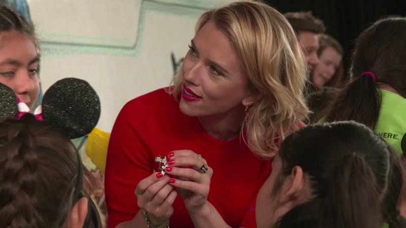 Scarlett Johansson Paul Rudd Chris Hemsworth and Jeremy Renner in the Avengers Unite Lego Store