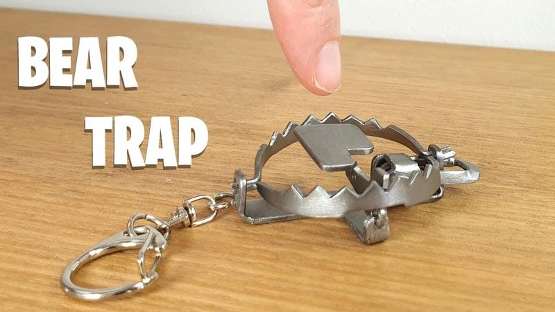 Keyring BEAR TRAP Build The Little Nipper