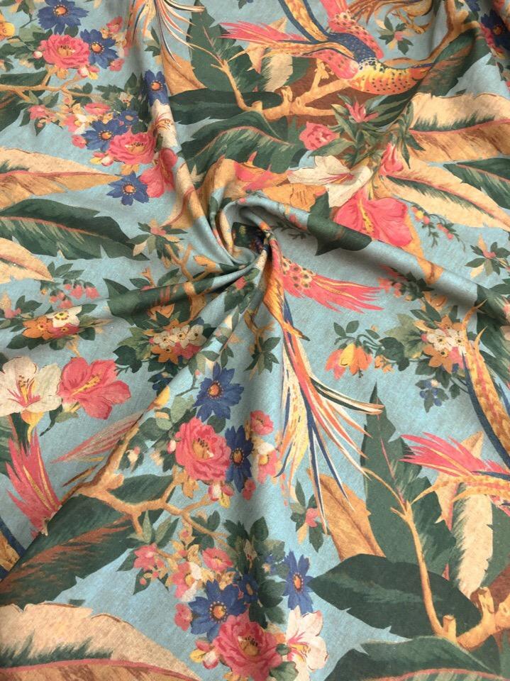 Вы часто спрашиваете о легких летних материалах из натуральных волокон с каким-нибудь интересным НЕ цветочным принтом 🤓