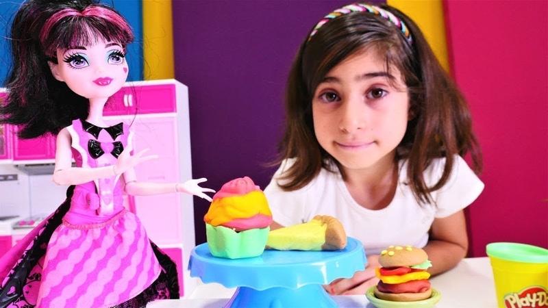 Kız oyunları. Monster High oyuncaklarıyla bir gün geçirelim.