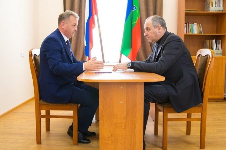 Науменко рассказал Темрезову о своих достижениях на посту главы администрации Зеленчукского района