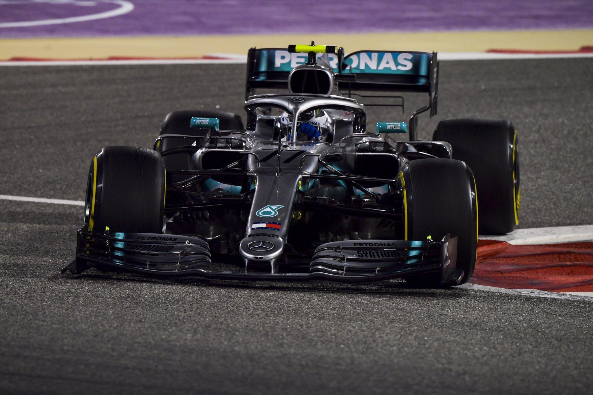 Валттери Боттас лидирует в чемпионате Ф1 после двух этапов сезона-2019