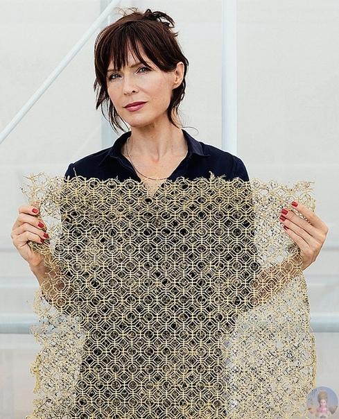 Живые ковры с космическими узорами.