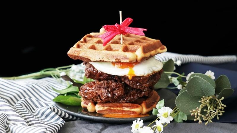 アメリカンな朝食はいかが? ワッフルサンドメープルチキン🍴