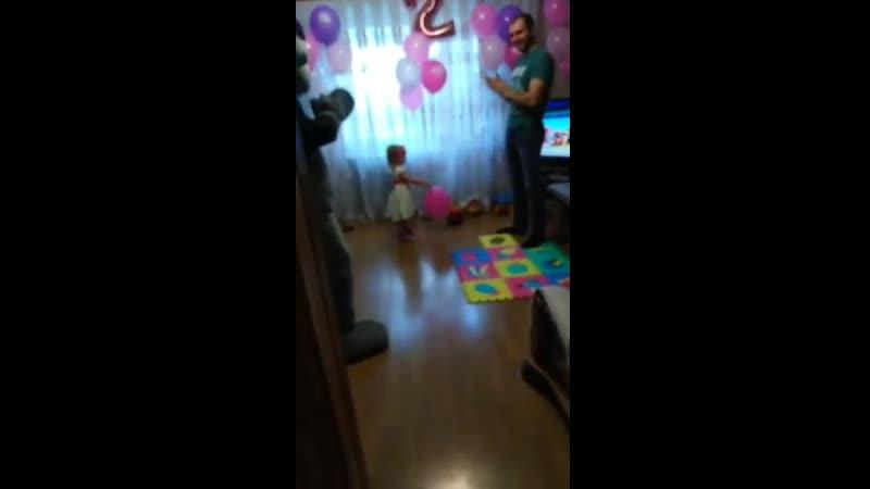 11.03.19 Мишка Тедди поздравлял Софийку с днем рождения, 2 годика 👏👏👏