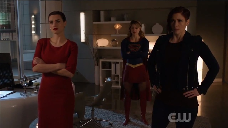 Supergirl 4x18 Lena ,Kara Alex Opening scene part1