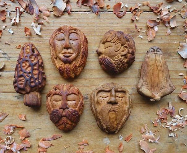 Скульптуры из авокадо Художники, скульпторы, архитекторы и другие творческие деятели ежедневно доказывают, что для искусства нет ограничений. Пока кто-то выкладывает свои картины из мусора, Джен