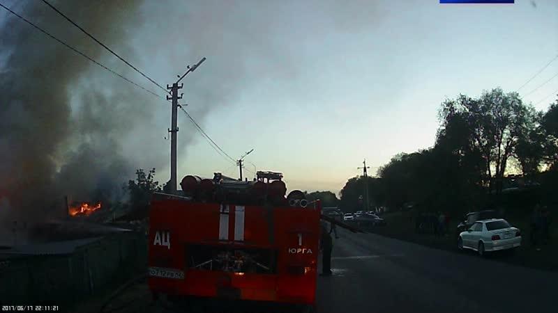 За прошедшие дежурные сутки огнеборцы первой пожарно спасательной части дважды выезжали на тушение пожаров