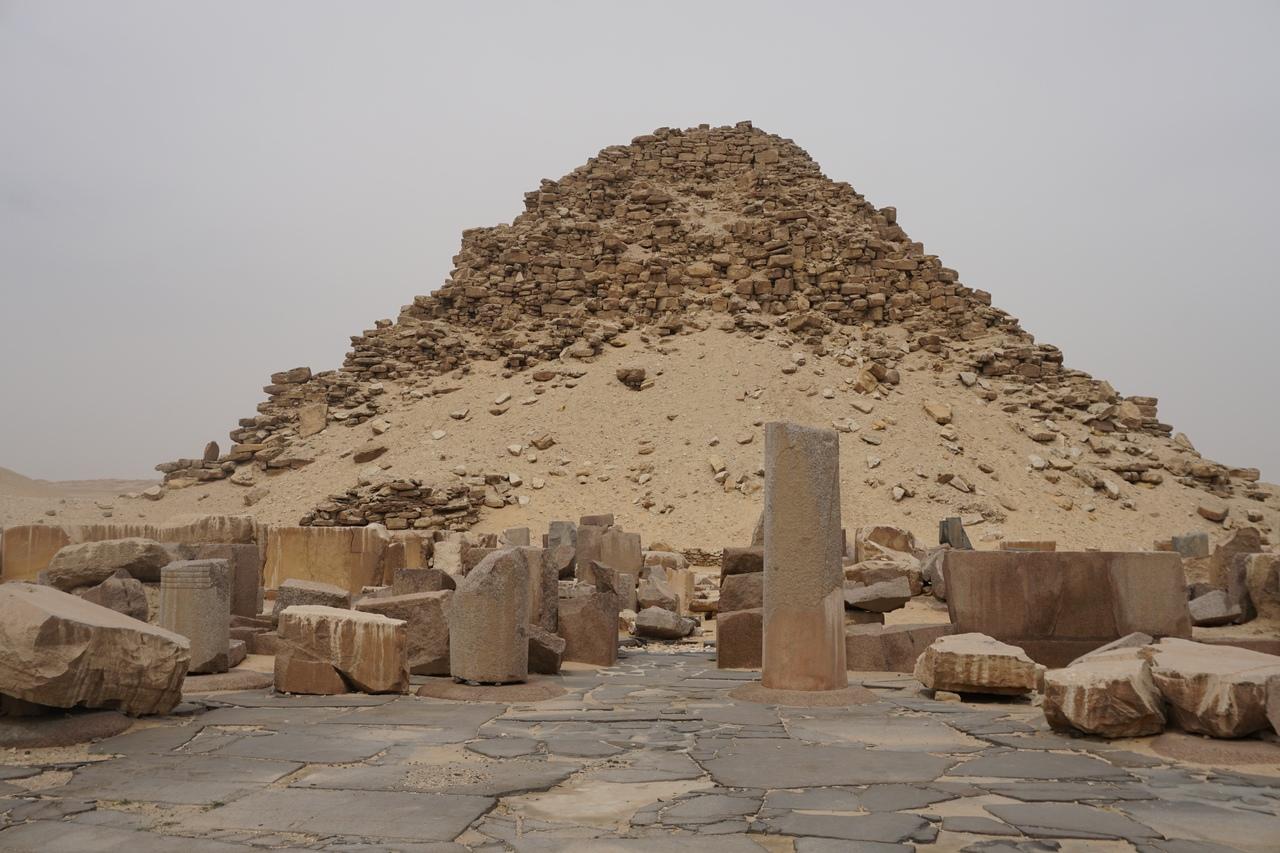 Заброшенные пирамиды в Абусире