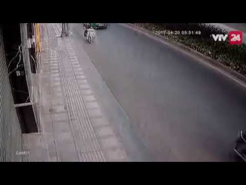 Таксист пришел на помощь обворованной девушке