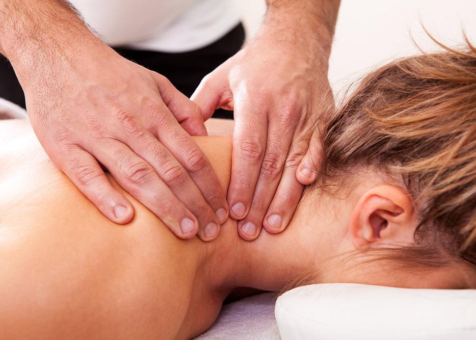 мануальный массаж костоправ боли спины