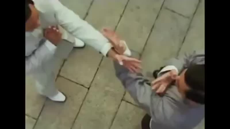 Great wing Chun fight scene. _v_️_v_️_v_️_muscle__muscle__muscle_ - wingchun - kungfu - martialarts - martia ( 421 X 750 ).mp4
