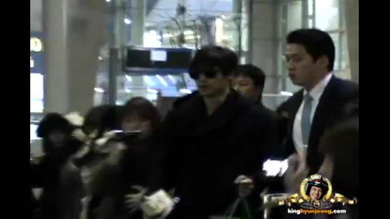 2012.12.10. KIM HYUN JOONG 김현중 fancam - Incheon Itnl' Airport (From. Cheungdu)