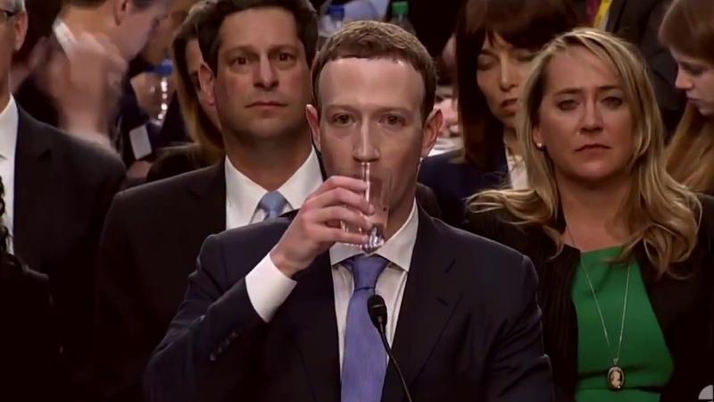 Рептилоид живущий в образе Марка Цукерберга наверное впервые в жизни пьёт воду