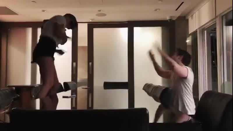» Эбигейл и Тайлер Коттон танцуют (14/07/19)