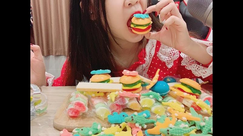 100 viên kẹo trái đất kèm Trolli hamburger âm thanh sống động EATING SOUNDS Trolli Earth Planet