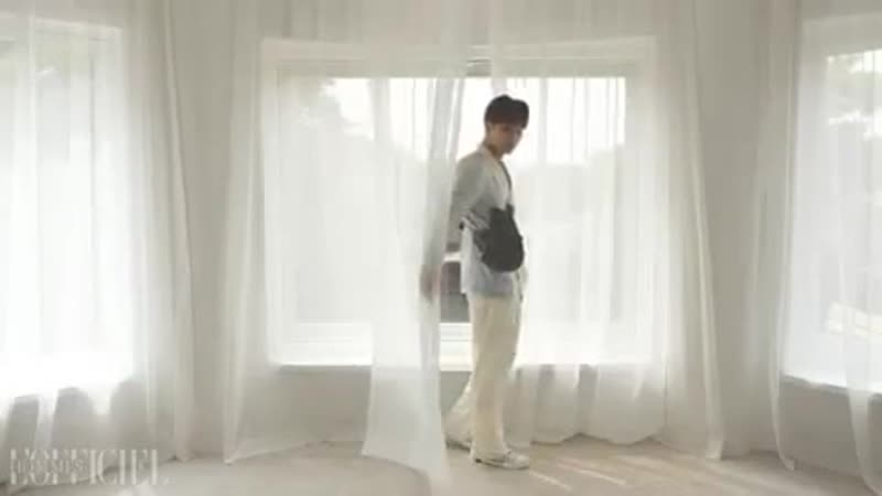 Repost @lofficielhommes_kr • • • • • [NEW ISSUE] 로피시엘 옴므 YK에디션 2019 봄여름호 커버의 주인공은 바로 지금 가장 핫한 세븐틴의 민규입니다. 이제까지 볼 수 없었던 그의 색