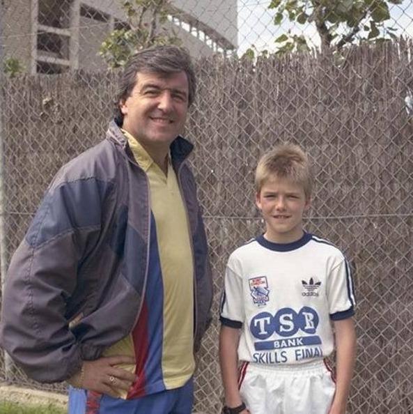 Легендарный тренер Терри Венейблс и юный Дэвид Бекхэм