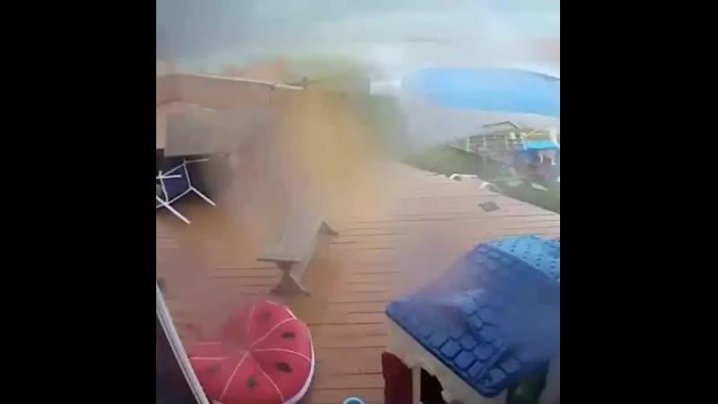 Торнадо в городе Маллика Хилл (США, штат Нью-Джерси, 13 июня 2019).