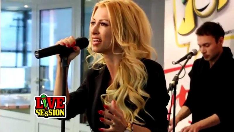 Andreea Balan LIVE Love me like u do (cover Ellie Goulding)