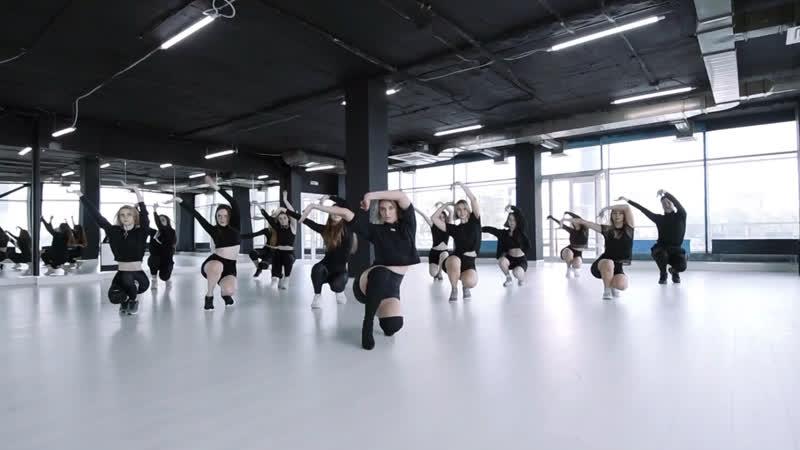 Choreo by Yanita Mizrahi femme vogue