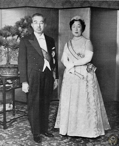 Наши враги. Хирохито «Когда общество процветает, народ доволен», это китайское изречение легло в основу имени 124-го императора Японии Хирохито. Его считали богом, потом видели в нем «азиатского