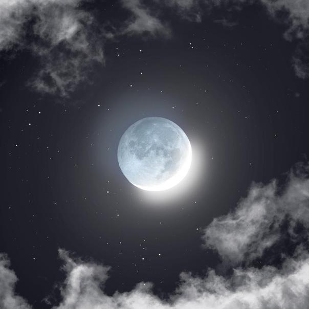 """Пепельный свет Луны"""