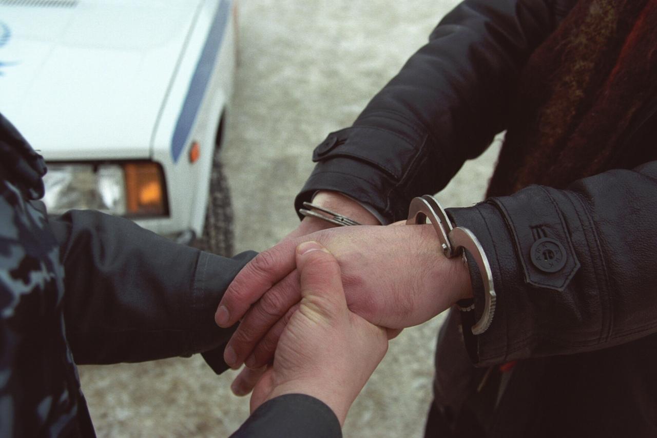 В Таганроге 36-летний мужчина ограбил свою бывшую девушку и сбежал