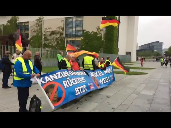 114. AfD Demo in Berlin mit ANTIFA Merkel MUSS weg mit Franz Wiese (AfD) 22.05.2019