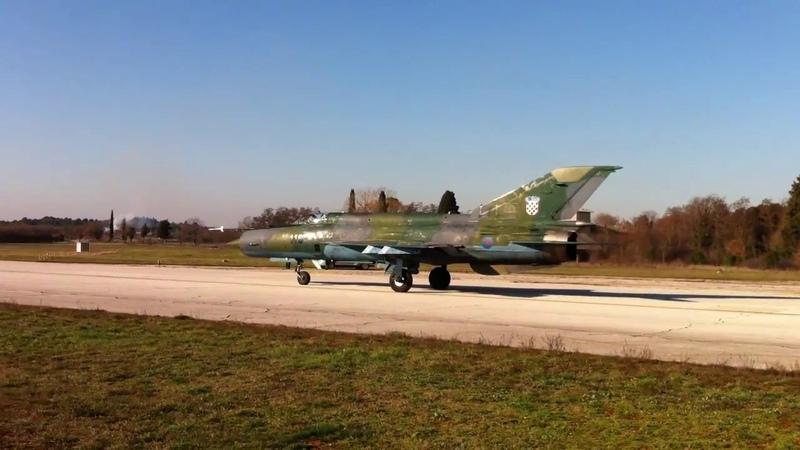 Croatian Mig 21 - take off very close -)