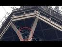 Rescate en la Torre Eiffel un hombre escala el monumento