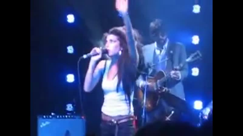 Amy Winehouse - You Know I'm No Good (Part) (Encore) (Mod Club, Toronto, Canada 13.05.2007)