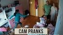Пугливая девочка до смерти пугается мультяшных персонажей CAM PRANKS