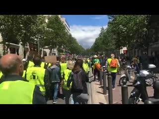 18 05 19🔴 les gilets jaunes lancent leur 27e acte dans le centre-ville de marseille.mp4