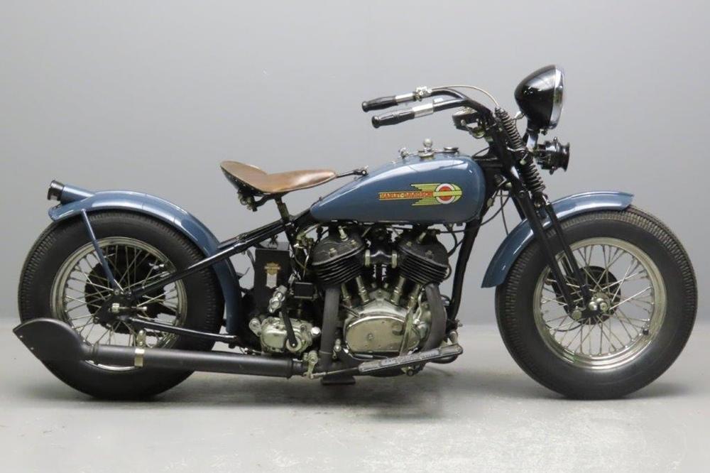 Старинный мотоцикл Harley Davidson V Bobber 1930