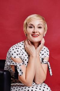 Лена Громова