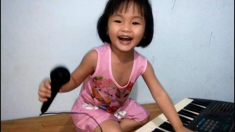 Xem B Cà Rốt Kìa Hát Và Đàn Thanthu Kids TV