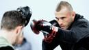 Как правильно бить и двигаться в бою / Советы от бойца UFC Дональда Серроне