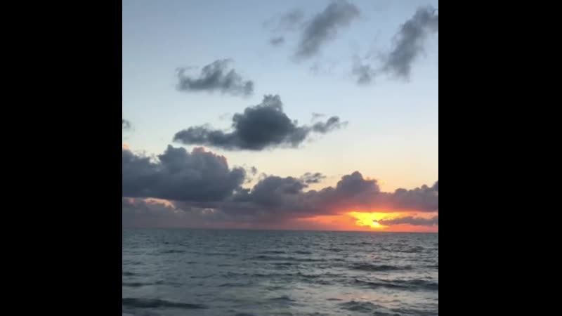 мечтаДИ  Есть у меня одна мечта (не одна). Отправиться в открытое море под парусами. На несколько дней отбросить гаджеты и мирс