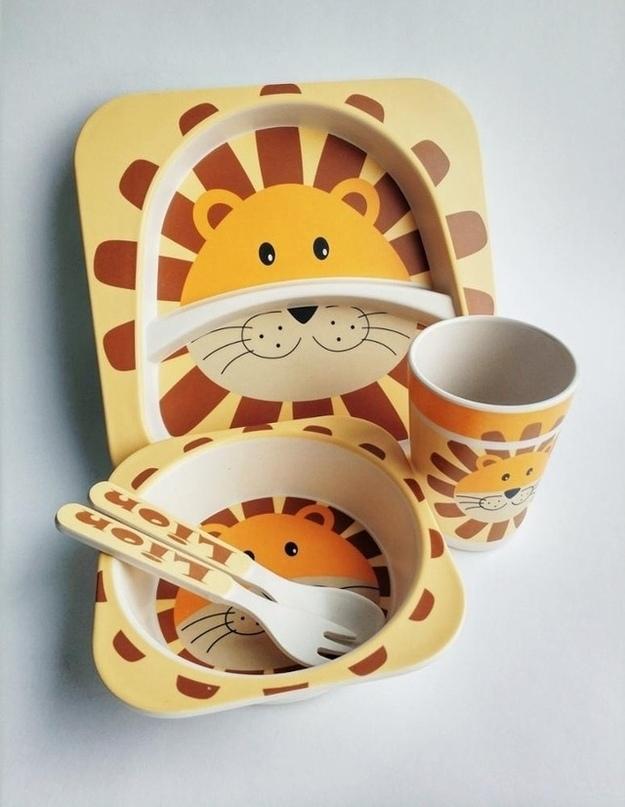 Набор посуды со львом