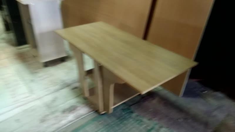 Тумба-Стол трансформер, для небольших помещений.К примеру, можно разместить возле дивана для компании.На заказ... Мебель на зака