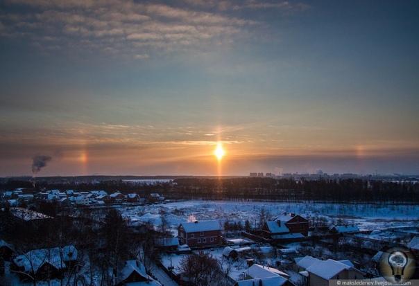 Паргелий - ложное солнце: Если Вы являетесь наблюдателем нескольких солнц на небе, знайте, что то, что вы видели, называется паргелий. Паргелии могут возникать в любое время года, в любой точке