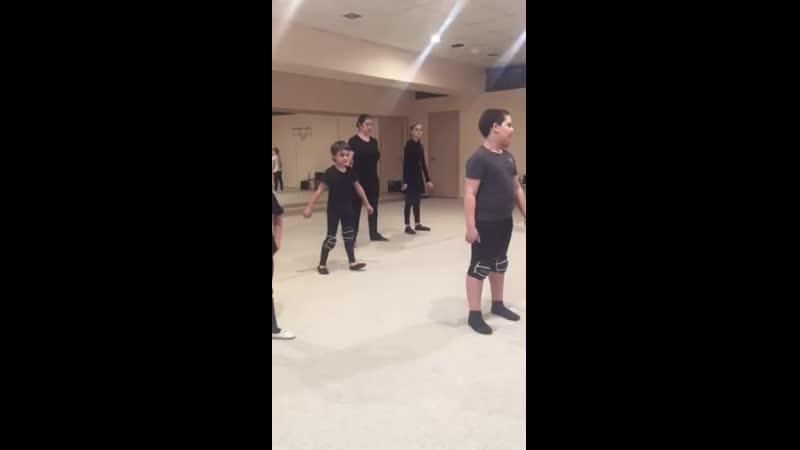 Репетиция нового танца в ШКТ Чегет