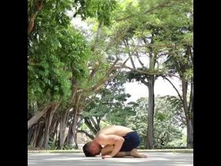 Дилан Вернер йожит в Сингапуре