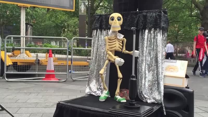 Harry Belafonte - Banana Boat Song Skeleton dance
