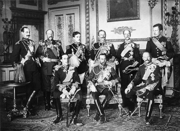9 монархов на одной фотографии.